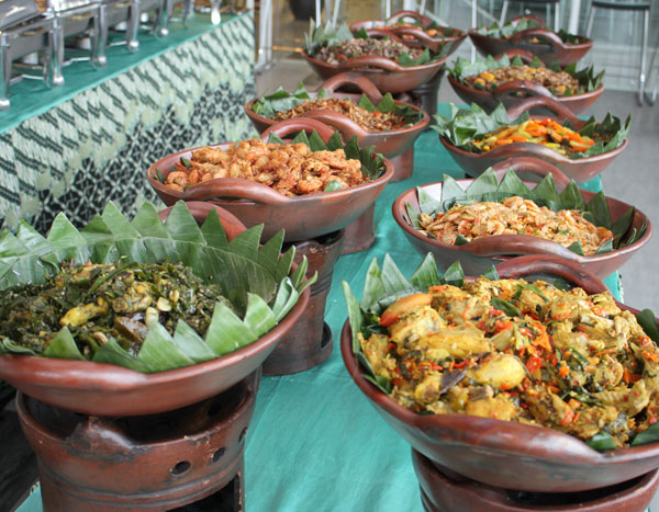 Mbah Jingkrak Food Display