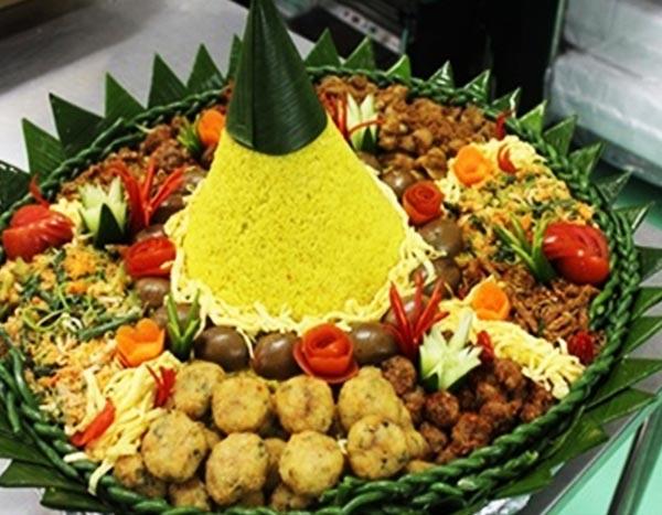 Nasi Tumpeng Tampah 50 Orang