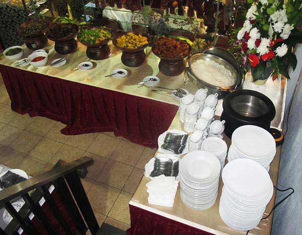 Sarimande Metropolitan Buffet Display