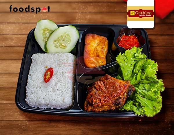 Nasi Ayam Bakar Bumbu Rujak Dari Cathlea Catering Surabaya