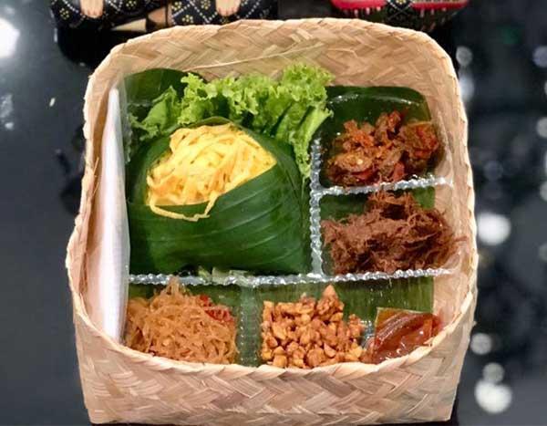 Nasi Liwet Solo - Besek Bambu
